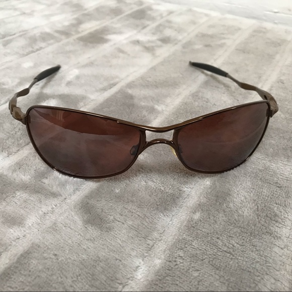 80b3656d48d OAKLEY TI CROSSHAIR POLARIZED SUNGLASSES BROWN. M 5c7ed4192e1478472f4f735d
